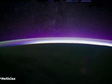 Así es la 'puesta de la Luna' desde la Estación Espacial Internacional