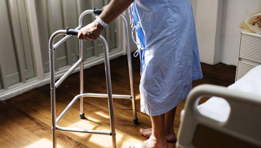Anciana en un hospital