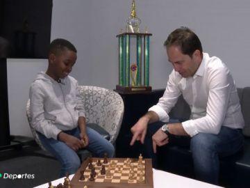La historia del pequeño Tani, el refugiado de 8 años campeón de ajedrez de Nueva York