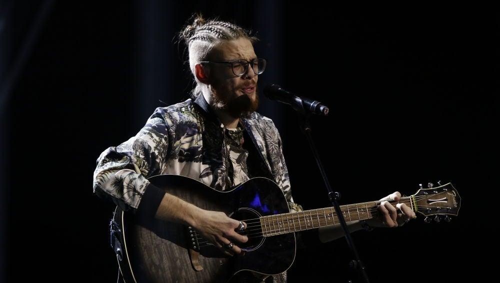 VÍDEO: Andrés Martín canta 'Can't help falling in love' en la Semifinal de 'La Voz'