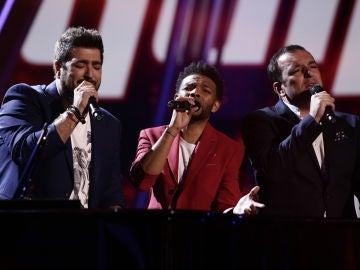 VÍDEO: Antonio Orozco canta 'Mi héroe' con Javi Moya y Marcelino Damion en la Semifinal de 'La Voz'