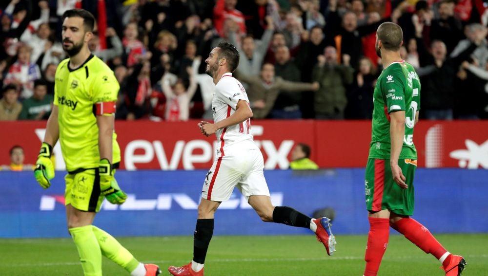 Pablo Sarabia celebra su gol ante el Alavés