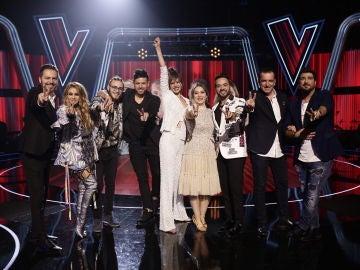 VÍDEO: Alejandro Sanz, Sebastián Yatra, Manuel Carrasco, Melendi, Juanes y los asesores de 'La Voz', invitados en la gran Final