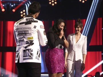 Linda Rodrigo canta 'Flashlight' en la Semifinal de 'La Voz'