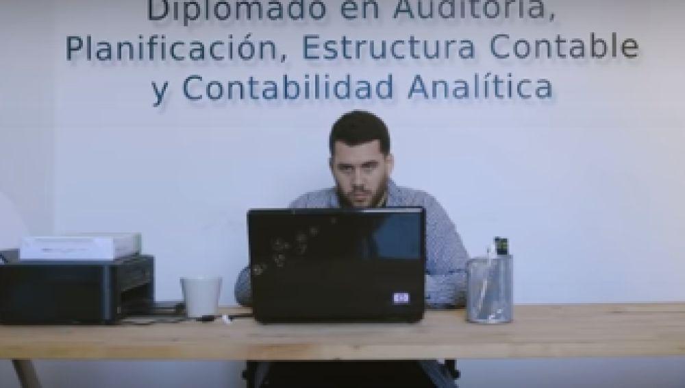 Imagen del hijo durante el vídeo promocional