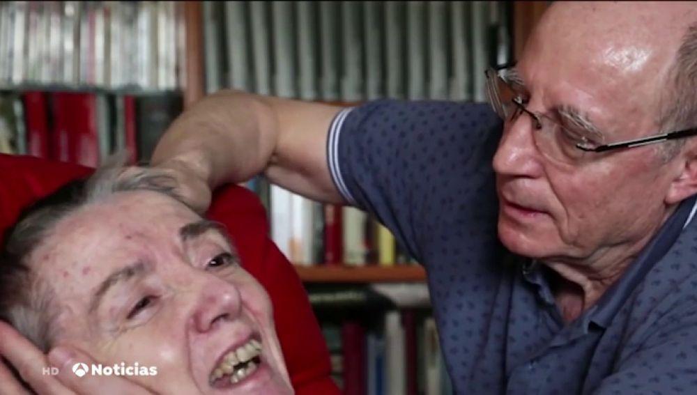 Ángel Hernández le suministró arsénico a su mujer porque se encontraba en fase terminal y su deseo era morir. La mujer sufría esclerosis múltiple desde hacía unos 30 años.