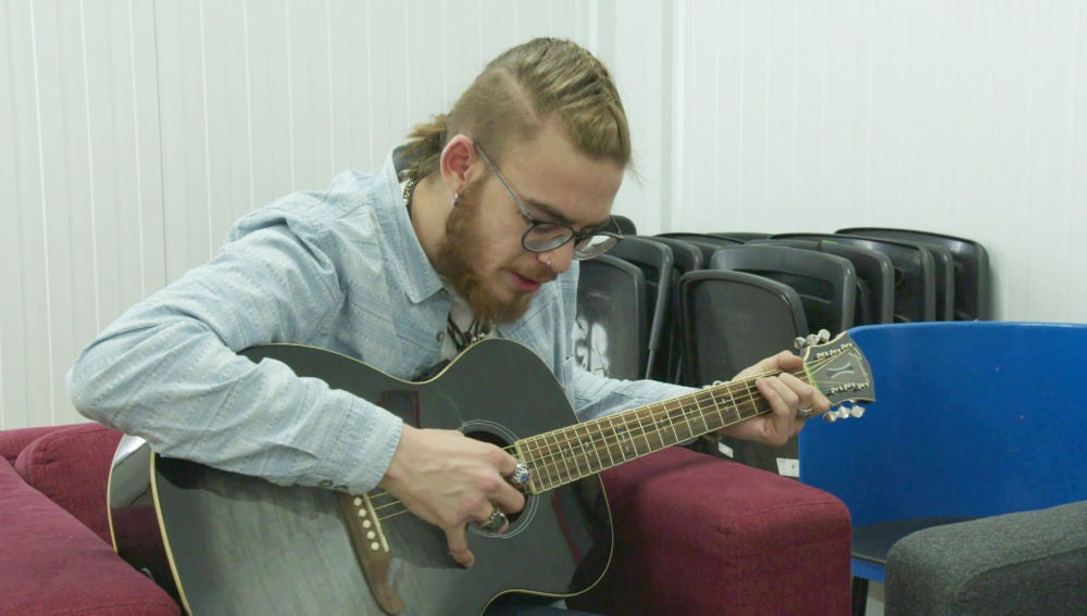 Andrés Martín canta a los finalistas de 'La Voz' su tema de las Audiciones a ciegas
