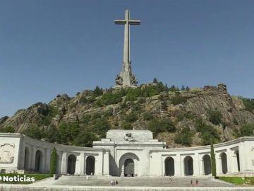 Exhumar a Franco obligaría a desenterrar a 20 monjes