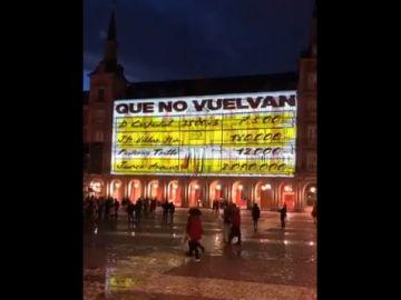 Imagen del cartel en la Plaza Mayor
