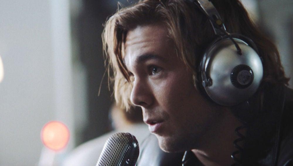 Vídeo: Robert triunfa en la radio con una historia inventada por Guillermo sobre 'Let her go'