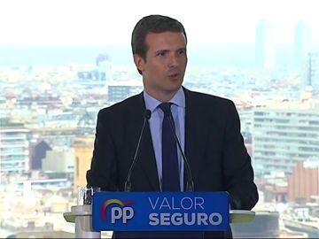 """Casado: """"Sánchez prefiere las manos manchadas de sangre que las manos pintadas de blanco"""""""
