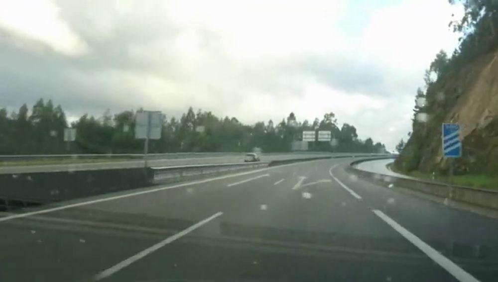 Buscan a un conductor que circuló varios kilómetros en sentido contrario en la autovía del Barbanza
