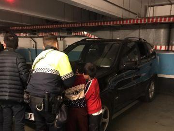 Los menores tras salir del coche