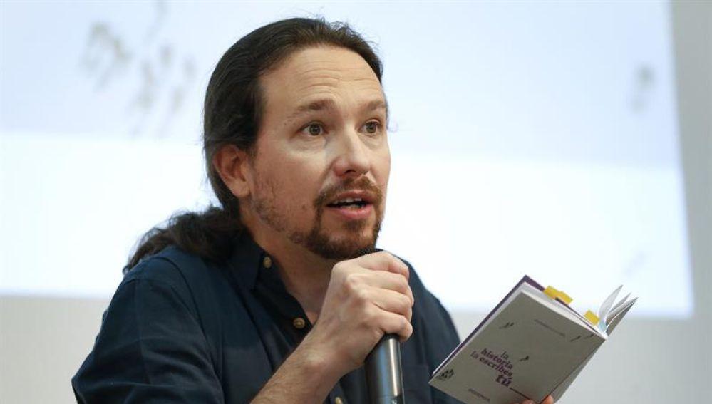 Pablo Iglesias presenta su programa electoral en forma de Constitución