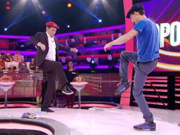 Nagore le enseña a Arturo Valls a bailar el aurresku en '¡Ahora caigo!'