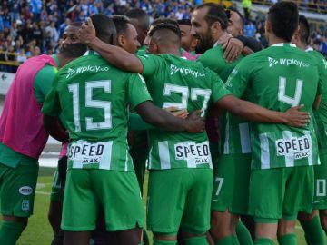Los jugadores del Atlético Nacional celebran un gol