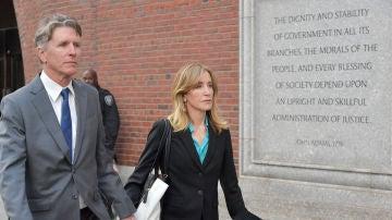 Felicity Huffman se declara culpable de fraude universitario