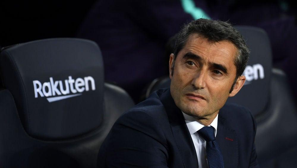 Ernesto Valverde, en el banquillo del Camp Nou