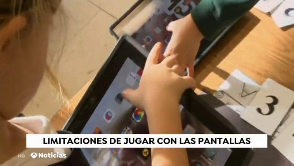 Los niños de entre dos y tres años que utilizan los dispositivos móviles constantemente pierden habilidades motoras y de comunicación