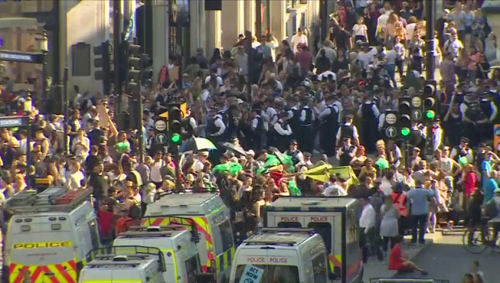 Detenidas 831 personas por las protestas contra el cambio climático en Londres