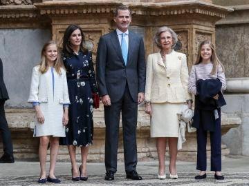El posado de la Familia Real en la Misa de Pascua