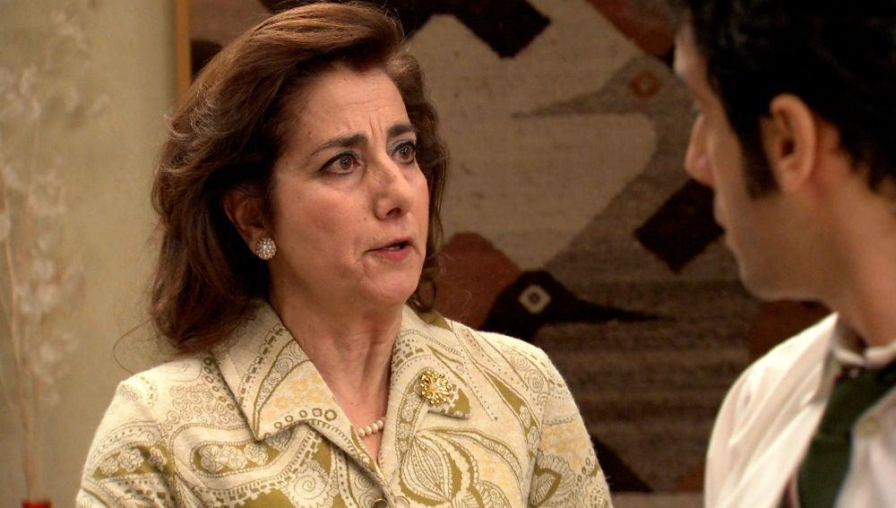 Pía reprocha a María que evita tener relaciones con Ignacio