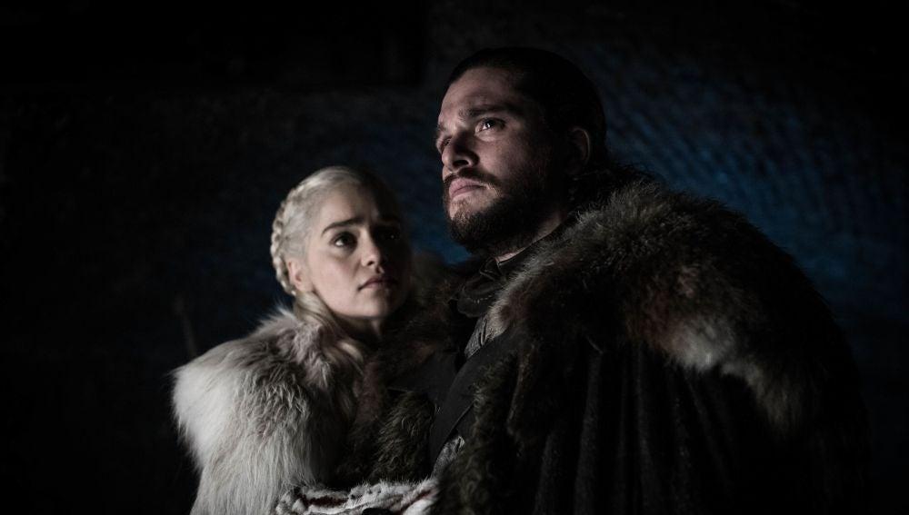 Daenerys Targaryen y Jon Snow en 'Juego de Tronos'
