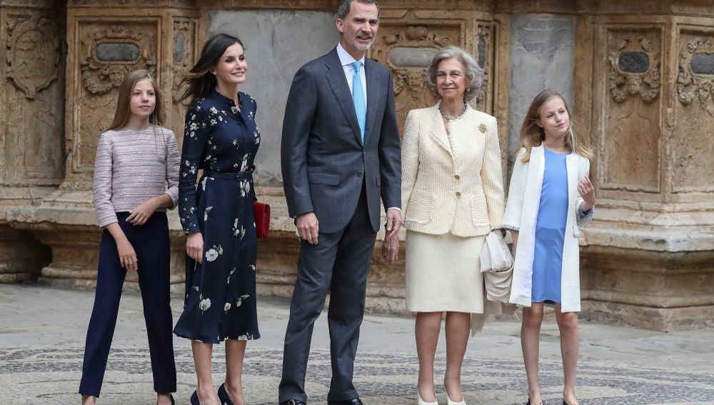 La Familia Real Española durante la Misa de Pascua 2019
