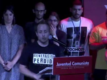 El secretario de las Juventudes Comunistas propone tirar a Felipe VI a los tiburones