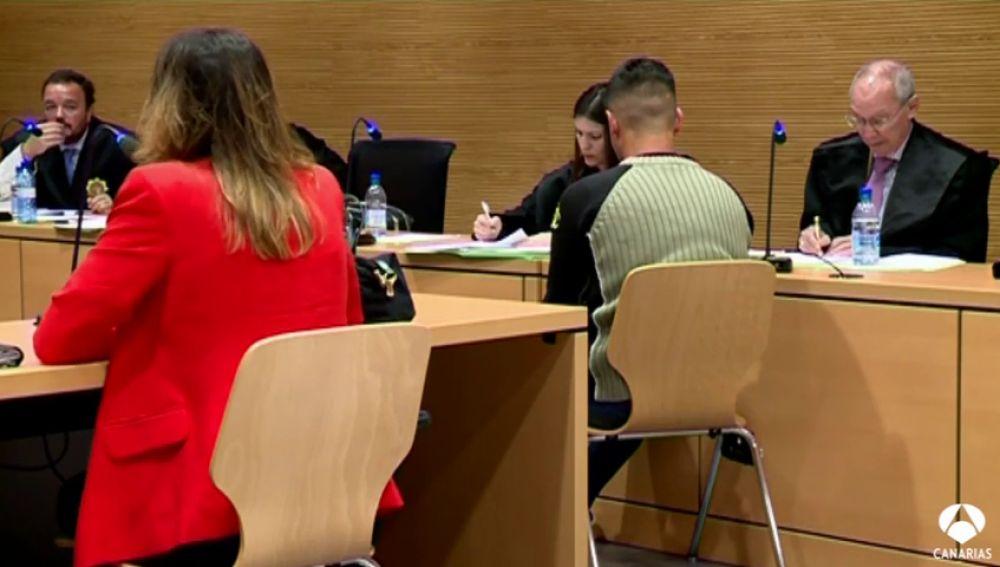 El acusado asegura que murió por una caída en la bañera