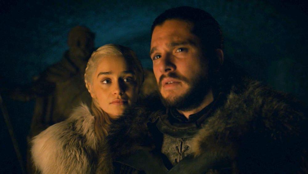 Daenerys y Jon en la cripta de Invernalia en 'Juego de Tronos'