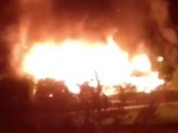 Un incendio arrasa un complejo termal en Ourense