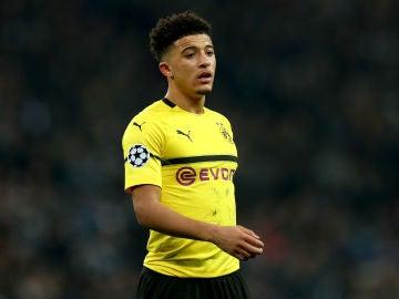 Jadon Sancho durante un partido con el Borussia Dortmund