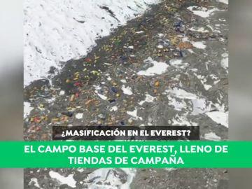 Temporada alta en el 'Resort Everest': la impactante imagen que denuncia un alpinista español