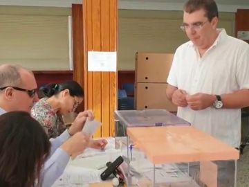 Una persona sordociega se convierte en presidente de una mesa electoral por primera vez