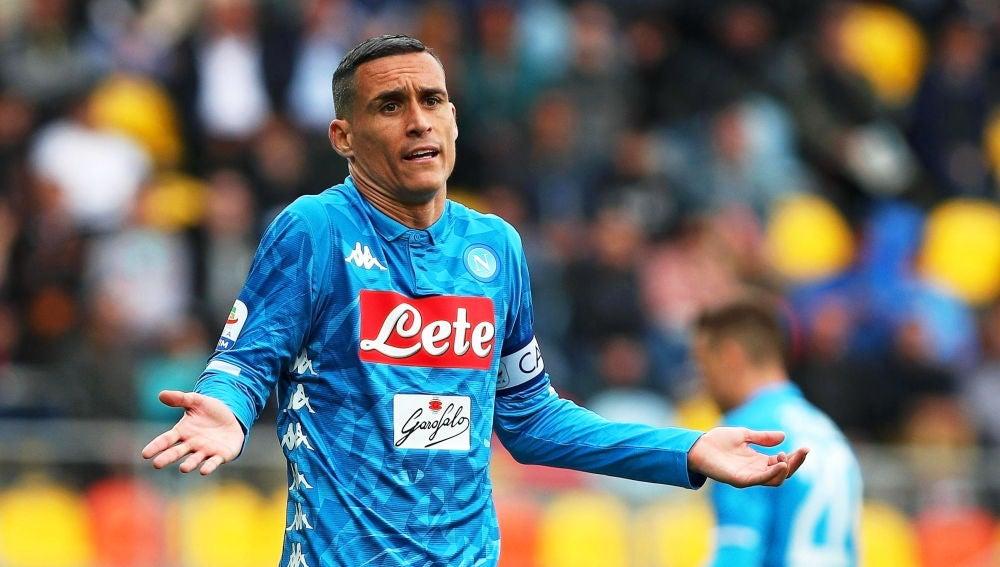 Callejón protesta una acción en un partido con el Nápoles