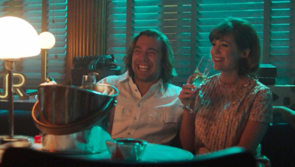 Robert sufre un giro de 180 grados en su vida tras la presentación de la película con Fanny