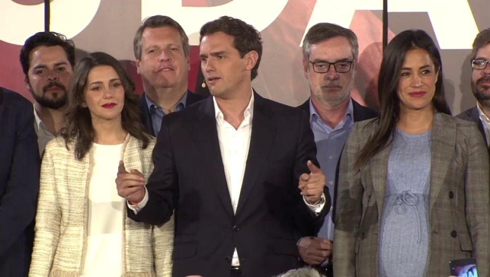 """RIVERA: """" Los líderes de la oposición van a ser los diputados de Ciudadanos, a vuestro servicio"""""""