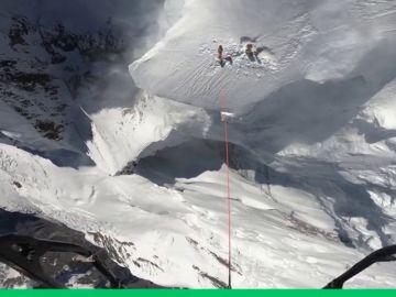 Rescate a 7.500 metros de altura: espectaculares imágenes de un rescate en el Annapurna
