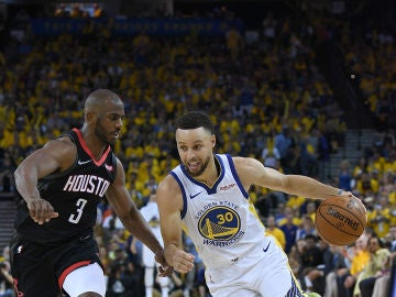 Chris Paul con Curry en el primer partido de semifinales