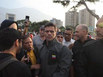 Leopoldo López, liberado de su arresto domiciliario por fuerzas opositoras