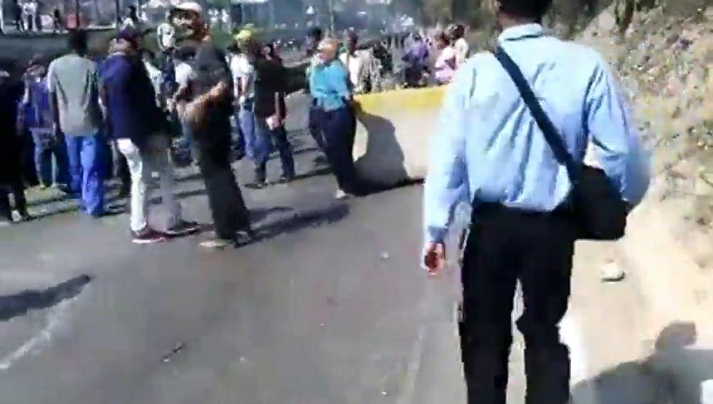 Cortan la carretera Panamericana en Venezuela