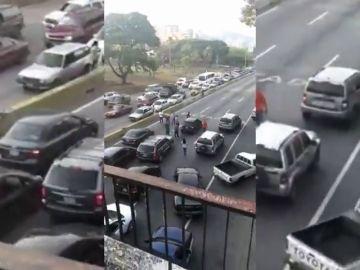 Cientos de venezolanos caminan hacia La Carlota
