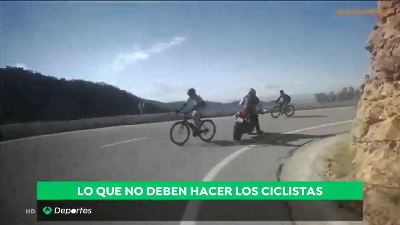 Peligrosa Maniobra De Ciclistas Que Invaden El Carril