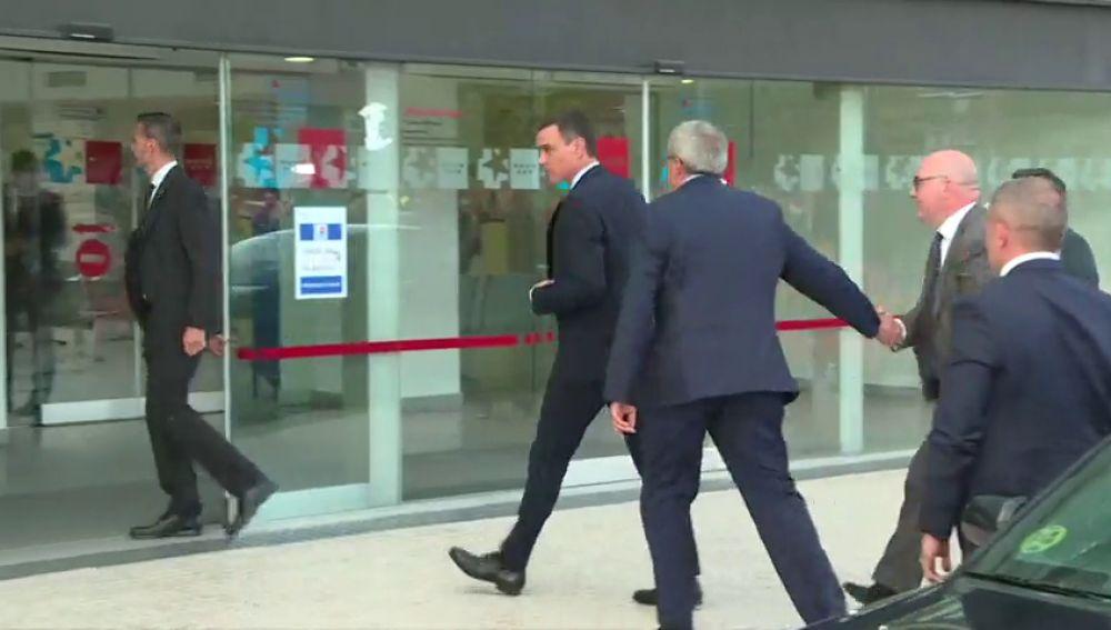 REEMPLAZO Sánchez, González, Zapatero, Ábalos... acuden al hospital a interesarse por Rubalcaba