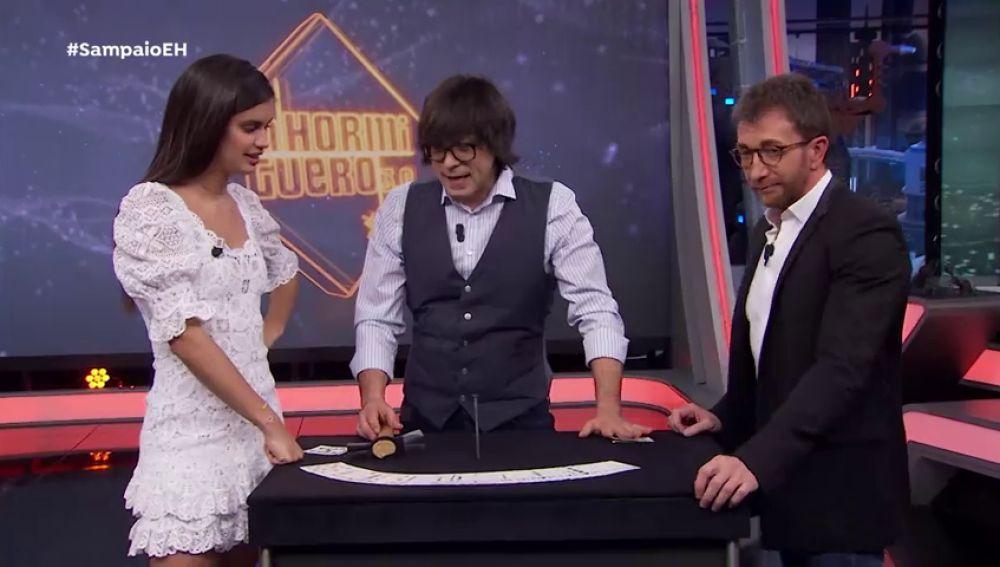 Luis Piedrahita hace que Sara Sampaio 'odie' un poquito más la magia en 'El Hormiguero 3.0'