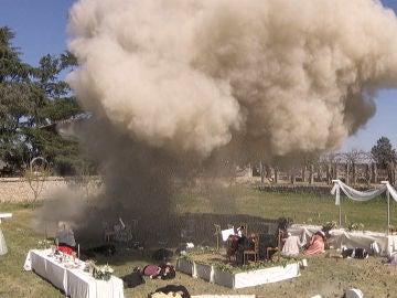 La boda de Fernando y María Elena sufre un atentado con posibles víctimas