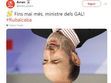 """Arran, con un retrato de Rubalcaba boca abajo: """"Hasta nunca más, ministro de los GAL"""""""