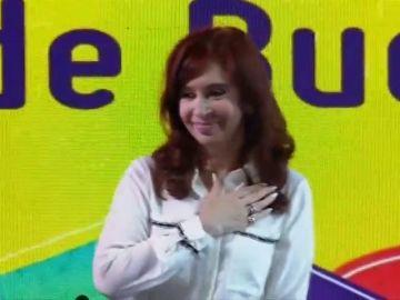 """Cristina Fernández presenta su libro como un """"debate"""" en momentos """"difíciles"""""""