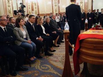 Noticias fin de semana (11-05-19) Emotivo último adiós a Alfredo Pérez Rubalcaba entre lágrimas y aplausos